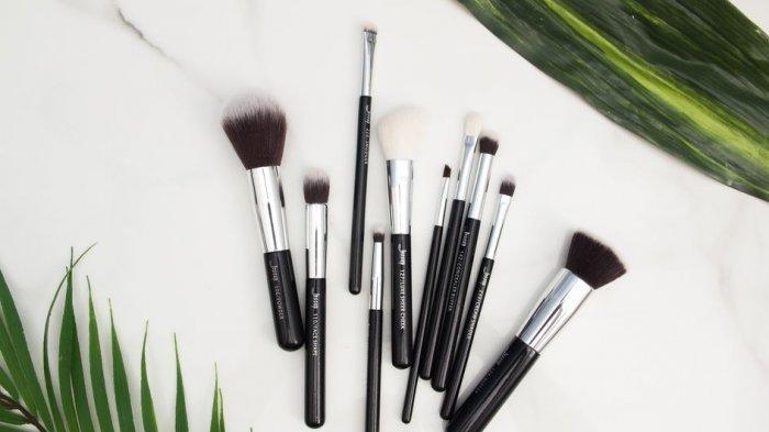 Setiap Berapa Hari Sekali Brush Makeup Harus Dicuci? Begini Saran Ahli