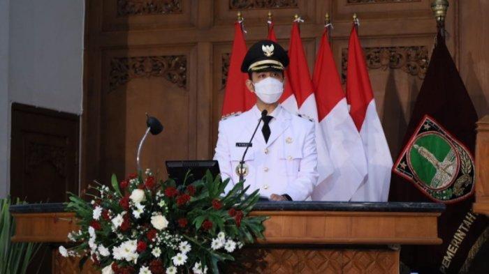 Gibran Rakabuming Raka, menyampaikan pidato pertamanya sebagai Wali Kota Solo di Gedung DPRD Kota Solo, Jumat (26/2/2021).