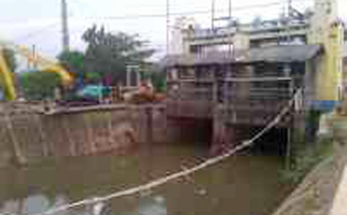 Hujan Deras Ketinggian Air di Manggarai Siaga 3