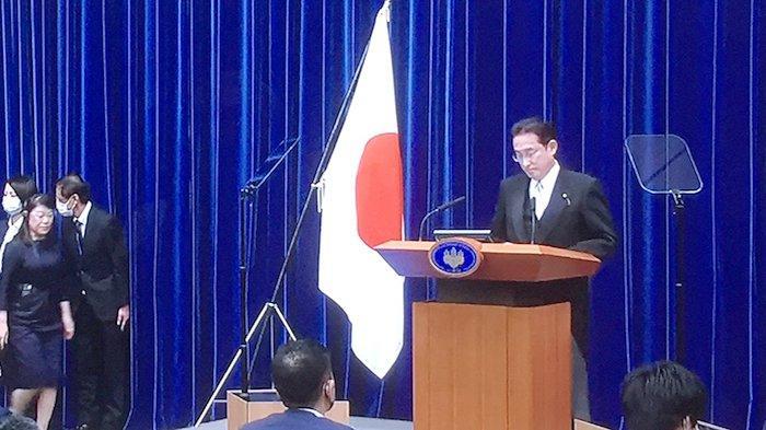 PM Jepang Fumio Kishida akan Beri Subsidi Masyarakat Terdampak Covid-19