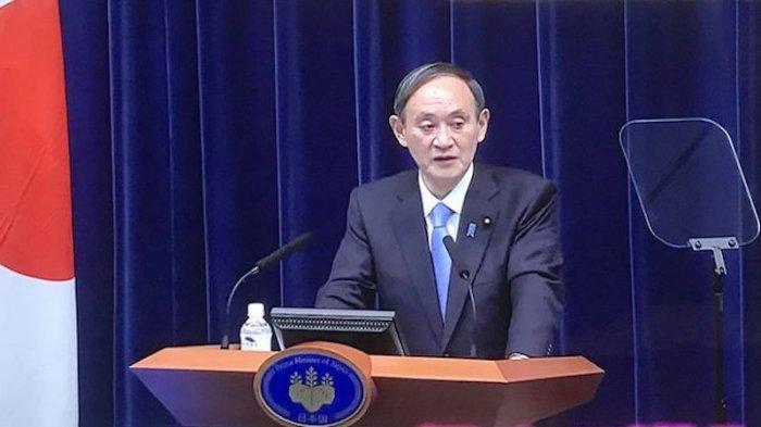 Pertama Kali PM Jepang Suga Pakai Prompter