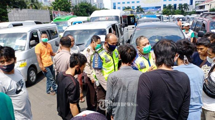 Gelar Operasi, Polisi Amankan 95 Travel Gelap Pembawa Pemudik dalam Waktu 4 Jam