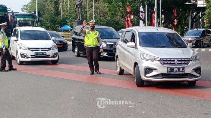 PPKM Level 4 di Jakarta Berakhir Hari Ini, Polisi Kaji Penerapan Tilang dalam Kebijakan Ganjil Genap