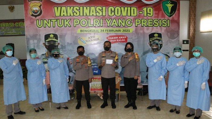 Pejabat Utama Polda Bengkulu Laksanakan Vaksinasi Covid-19 Tahap II