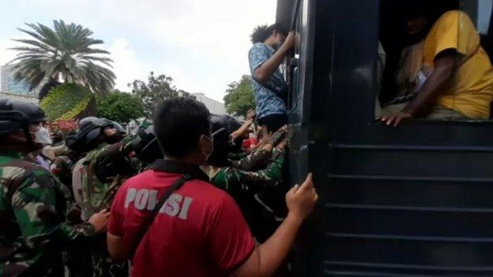 Polda Metro Jaya Amankan Belasan Mahasiswa Papua yang Hendak Berunjuk Rasa