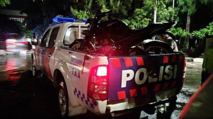 Detik-detik Pasca Kecelakaan Flyover Manahan Solo Terekam, Pengendara Motor Masuk Kolong Mobil