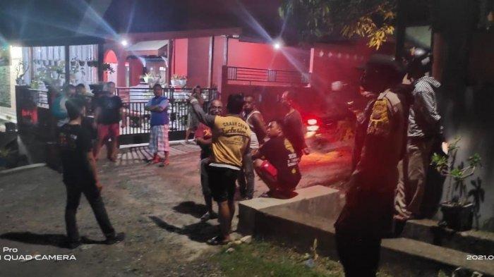 Polisi berjaga di lokasi dua kelompok pemuda di BTN Pepabri Sengkang, Kabupaten Wajo nyaris bentrok, Minggu (14/3/2021) malam.