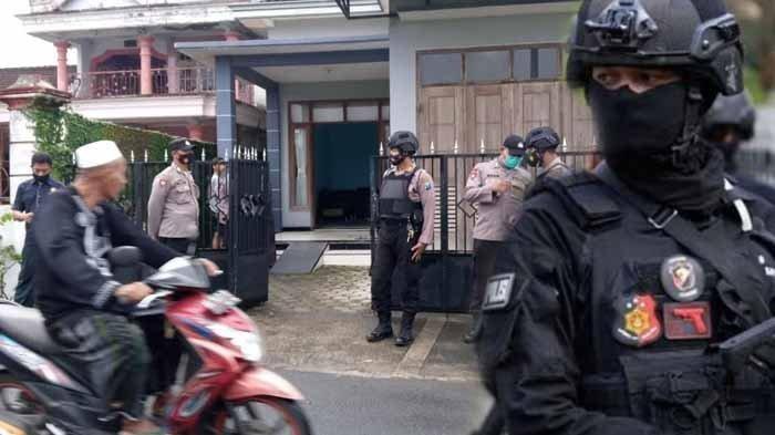 Densus 88 Bekuk Perakit Senjata Api di Malang