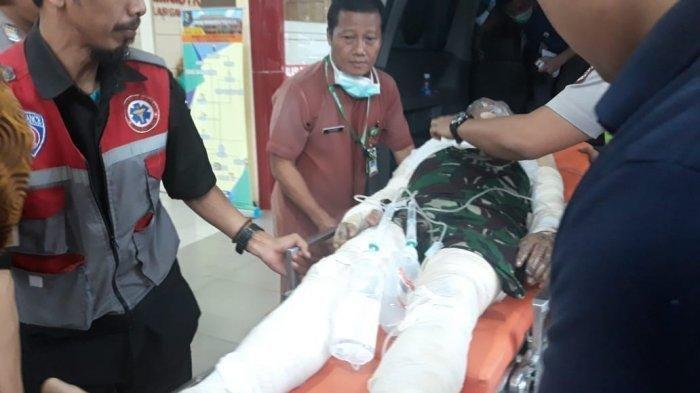 Anggota Polres Cianjur atas nama Aiptu Erwin tiba di RS Polri Kramat Jati sekira pukul 17.08 WIB menggunakan mobil ambulans RSUD Sayang Cianjur berpelat F 9949 WB.