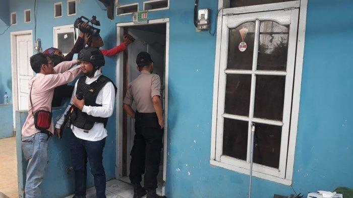 Kontrakan Terduga Teroris Jaringan JAD di Bekasi Digeledah, Polisi Sempat Ketuk Pintu Sebelumnya