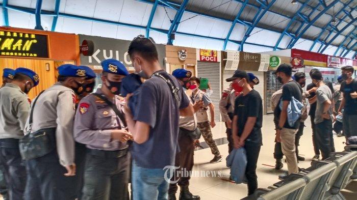 Kerumunan Pemicu Klaster Baru Covid-19, Wiku Beberkan Sejumlah Kasus Kerumunan di Indonesia