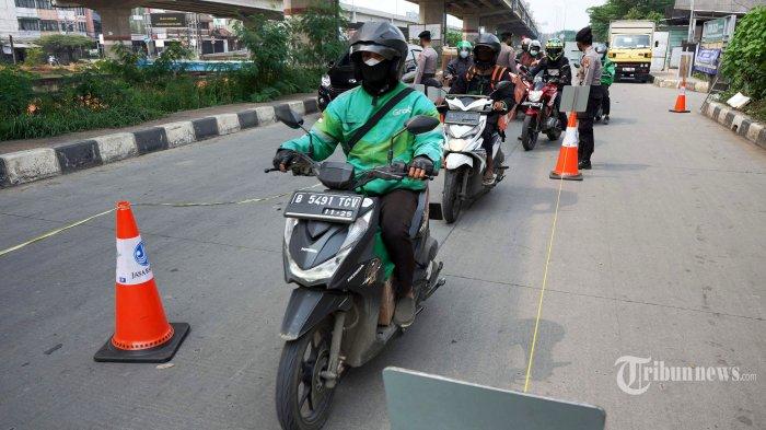 PPKM Darurat Turunkan Mobilitas di Jabodetabek, Satgas Minta PPKM Mikro di Luar Jawa Bali Diketatkan