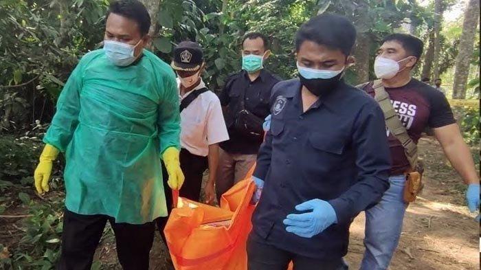 Warga Ponggok Geger Penemuan Dua Mayat, Yang Wanita Terbungkus Karung, Prianya Tergantung di Pohon
