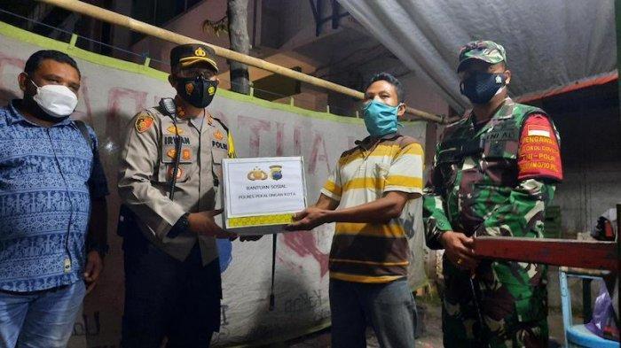 Polres Kota Pekalongan Salurkan Ratusan Paket Sembako ke Masyarakat Terdampak Covid-19