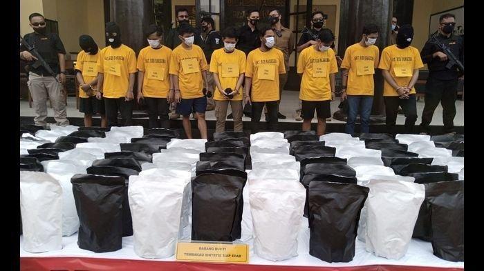 Kronologis Penangkapan Pengedar 150 Kg Tembakau Sintetis di Bandung