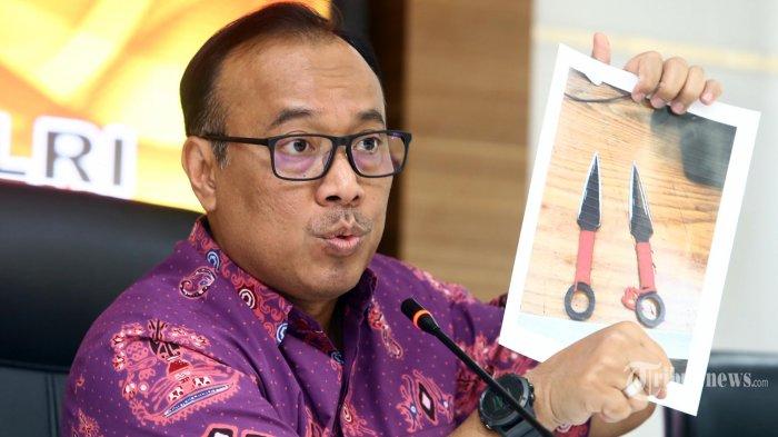 Pelaku Penusukan terhadap Wiranto Sempat Minta Anaknya Tusuk Anggota Polisi, si Anak Tak Berani