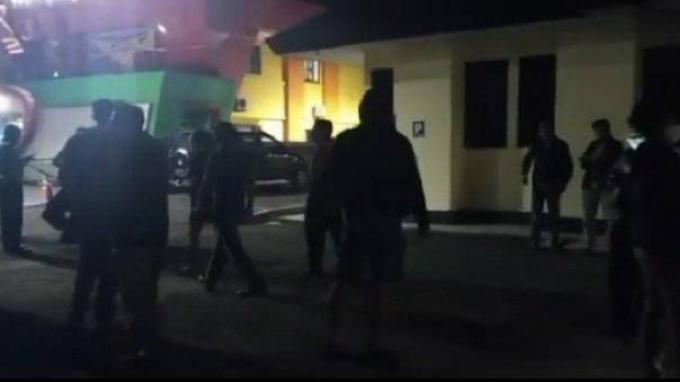 Tangkapan layar Polsek Kalasan didatangi TNI AL karena ada oknum petugasnya berkomentar miring tentang awak kapal KRI Nanggala-402.