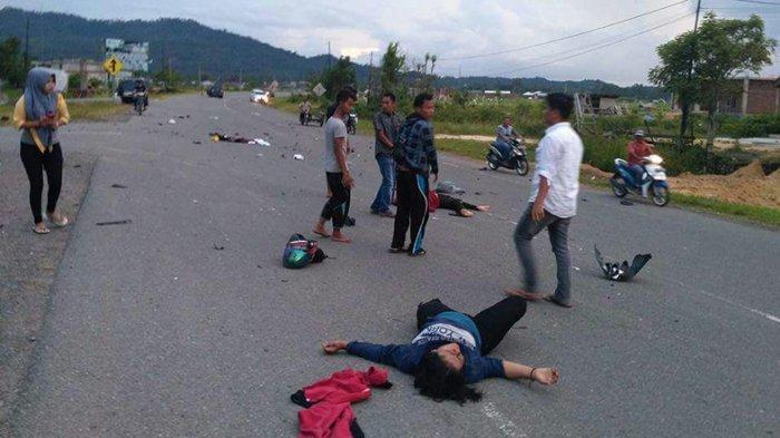 Dua Polwan Terkapar di Jalan, Seorang Patah Kaki, Sepeda Motornya Hancur