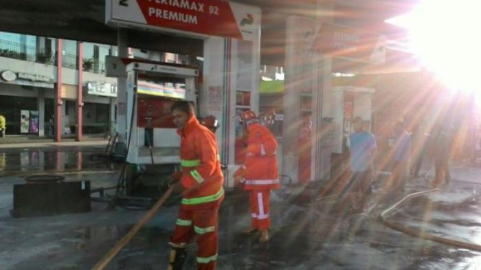 Tak Ada Korban Jiwa Ketika Pom Bensin Tanhsareal Kota Bogor Terbakar - pom-bensin-terbakar_20160312_153529.jpg