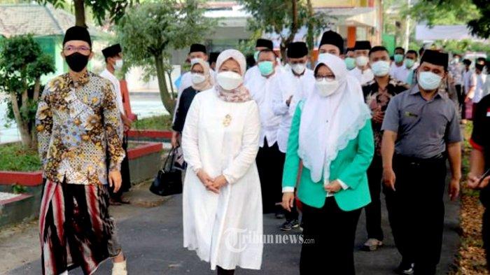 Pondok Pesantren Al-Mizan, Jatiwangi, Majalengka, Jawa Barat yang dipimpin oleh Kyai Maman Imanul Haq (Kyai Maman) mendapat kunjungan dari Kementerian Kelautan dan Perikanan (KKP) yang dipimpin oleh Rina Kepala Badan KIPM.