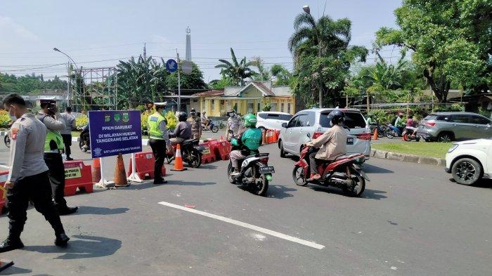 Di Pos Penyekatan Bintaro, Yang Selain Nakes, Logistik dan Bawa Surat Tugas Diputar-Balik Paksa