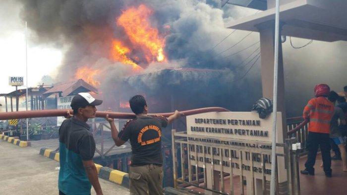 Pos TNI AL dan Kantor Polsek KP3 Kualatungkal Terbakar