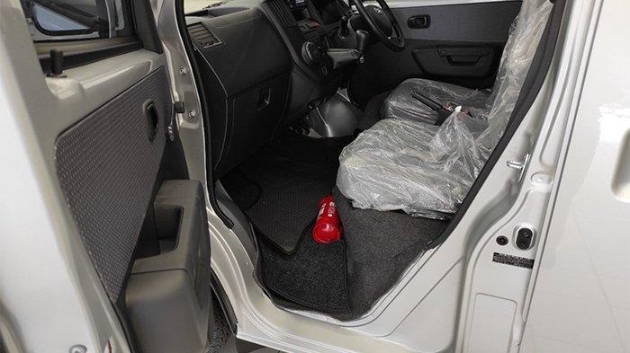 Posisi APAR pada mobil Daihatsu berjenis Komersil.