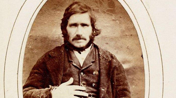 Pria Ini Dinyatakan Tidak Bersalah, Setelah Divonis Gantung 140 Tahun yang Lalu