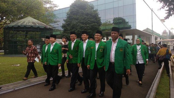 Pelaksana Tugas Ketua Umum PPP, Suharso Monoarfa membawa belasan kader partai berlambang Ka'bah menemui Presiden Joko Widodo (Jokowi)
