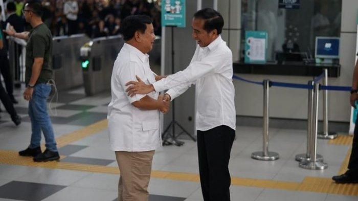 Pertemuan pertama Prabowo dan Jokowi, pernyataan Prabowo hingga disambut sorakan We Love You.