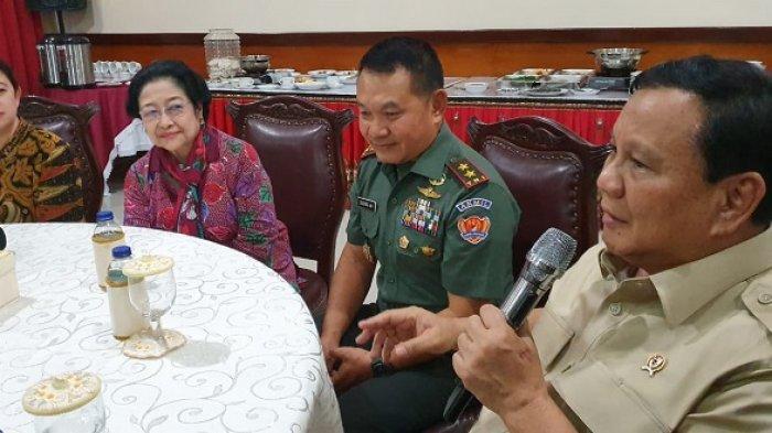 Di Depan Megawati, Prabowo Sebut Akan Buat Patung Bung Karno Naik Kuda di Kemenhan