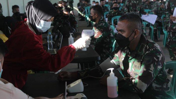 Prajurit Yonkav 12/BC Laksanakan Vaksinasi Covid-19 Tahap Pertama