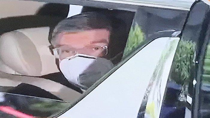 Bos IOC Thomas Bach Tiba di Bandara Haneda Tokyo Jepang