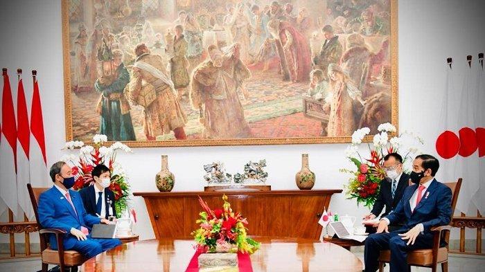 Jokowi Gelar Pertemuan Empat Mata dengan PM Jepang Yoshihide Suga di Ruang Kerja Istana Bogor