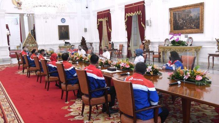 Presiden Jokowi Beri Arahan ke Pekerja Pertamina Hulu Rokan di Istana