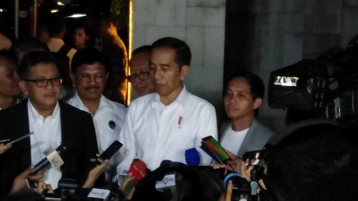Presiden Joko Widodo (Jokowi) di Restoran Seribu Rasa, Jakarta, Jumat (26/7/2019).