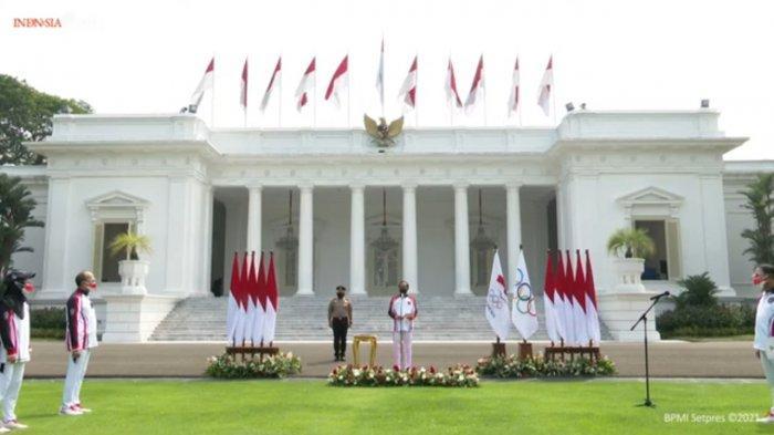 Presiden Joko Widodo (Jokowi) melepas kontingen Olimpiade Tokyo 2021 secara hybrid di halaman Istana Merdeka, Jakarta, Kamis (8/7/2021).