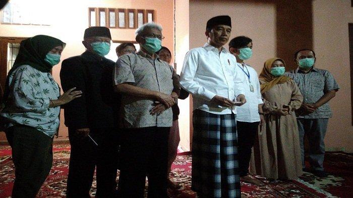 Jokowi Sebut Sang Ibunda, Sudjiatmi Notomiharjo Meninggal karena Kanker