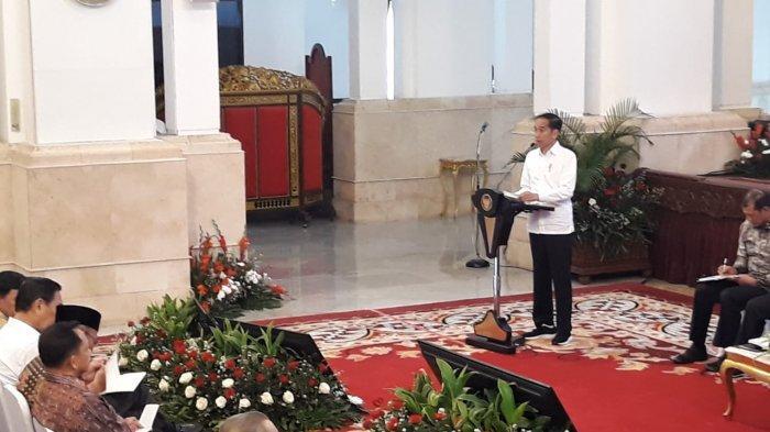 Presiden Jokowi dalam Rakornas Penanggulangan Kebakaran Hutan 2020 di Istana Negara , Jakarta,  Kamis, (6/2/2020).