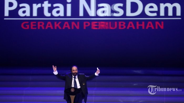 Ketua Umum Partai Nasdem Surya Paloh memberikan sambutan saat Perayaan Ulang Tahun ke-8 Partai nasdem di JIExpo, Jakarta, Senin (11/11/2019). Acara tersebut sekaligus penutupan Kongres ke-II Partai Nasdem. TRIBUNNEWS/IRWAN RISMAWAN