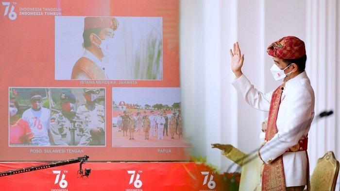Presiden Jokowi menyapa masyarakat Poso, Sulawesi Tengah dan Merauke, Papua melalui konferensi video setelah Upacara Detik-Detik Proklamasi Kemerdekaan Republik Indonesia, di Istana Merdeka, Jakarta, Selasa (17/8/2021).