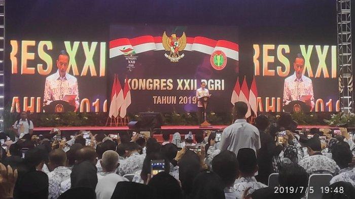 Buka Kongres XXII PGRI, Jokowi: Guru Harus Jadi Agen Transformasi Bangun Talenta Anak Bangsa