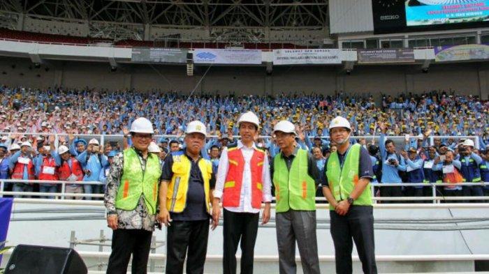 Presiden Beri Sertifikasi 9.700 Tenaga Kerja Konstruksi