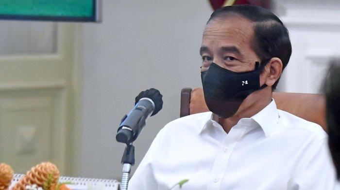 Presiden Jokowi pada rapat terbatas pengadaan vaksin di Istana Merdeka, Jakarta, Senin (26/10/2020).