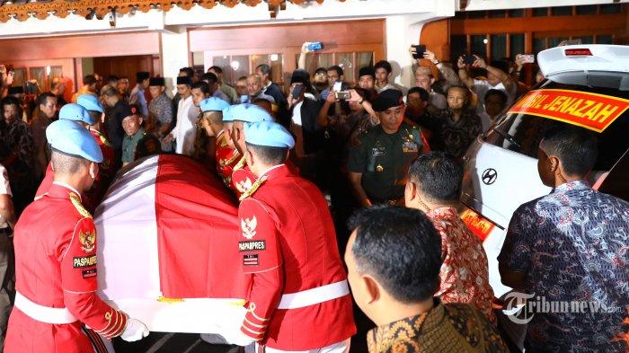 BJ Habibie Wafat: Bakal Dimakamkan di Kalibata, di Samping Makam Ainun Hingga Jokowi Pimpin Upacara