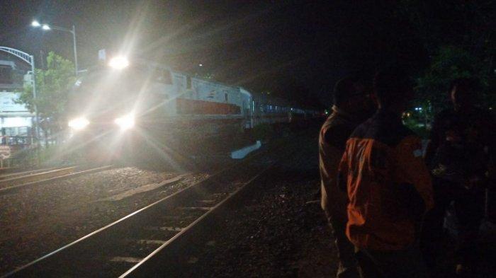 Diduga Bunuh Diri, Pria Boyolali Relakan Diri Dilindas Kereta di Rel Flyover Manahan Solo