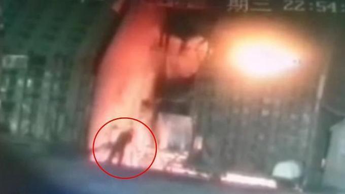 Pria di China Lompat ke Tungku Baja Cair Gegara Sahamnya Ambles, Rugi Rp 133 Juta