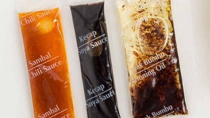 Viral! Pria Ini Bocorkan Cara Ajaib Mengeluarkan Minyak Mi Instan dari Sachetnya Sampai Bersih!