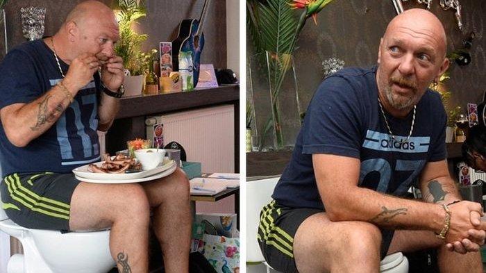 Seorang Pria Rela Duduk di Toilet Selama 5 Hari, Ternyata Ini Tujuannya