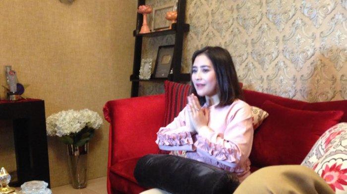 Rayakan Idul Adha di Rumah, Prilly Latuconsina Berharap Disambangi Kekasih